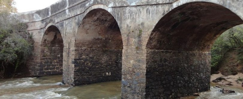 Pontes Naturais. Ponte de pedra em Cachoeira do Sul, Rio Grande do Sul