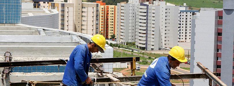 Limite, não motivo para a maracutaia. Com base em alterações de projetos ou mudanças nas especificações que prejudiquem a qualidade técnica da obra.