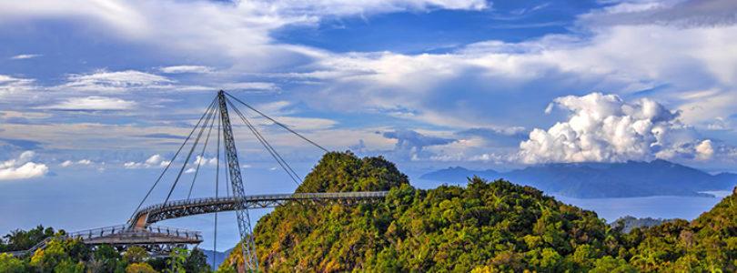 Heavenly Langkawi Bridge - Ponte Curva