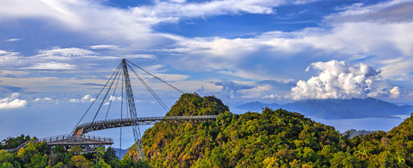 Heavenly Langkawi Bridge - Ponte Curva