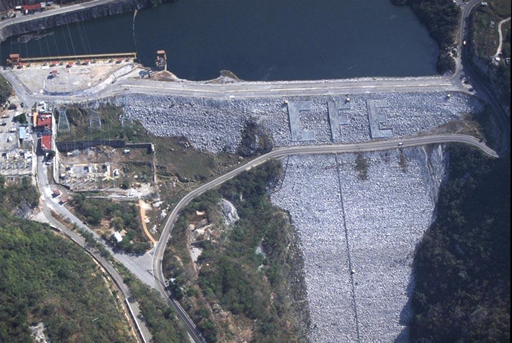 Barragem Manuel Moreno Torres Dam - México