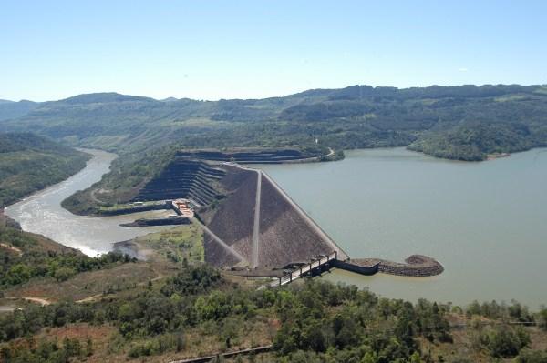 Barragem Foz do Areia e Usina Hidrelétrica de Foz do Areia
