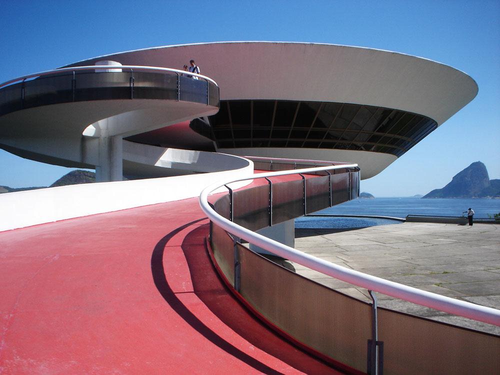 Oscar Niemeyer - Museu de Arte Contemporânea de Niterói-RJ