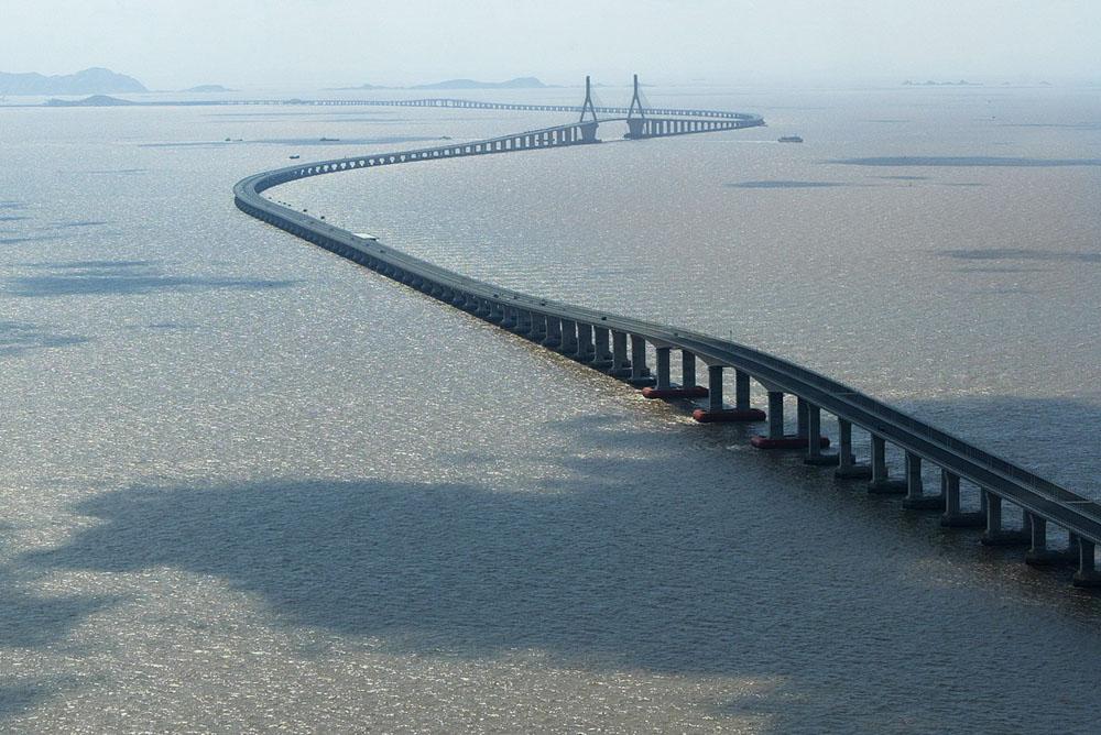 A Ponte de Donghai esta localizada na China. Tem uma extensão de 31.500 metros, é a sexta maior ponte do mundo